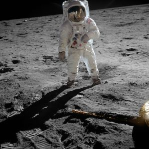 640px-Aldrin_Apollo_11_original