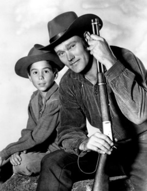 chuck_connors_johnny_crawford_the_rifleman_1960