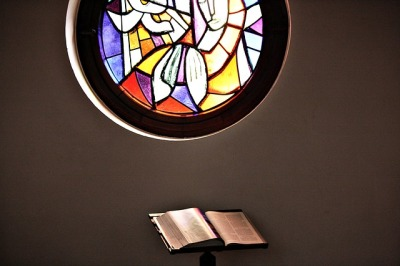 church-window-2076004_640