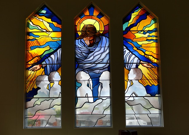 window-1911883_640